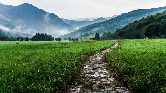 mountain-pathway_Visualhunt CC0