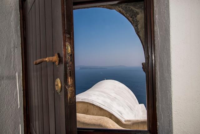 Open Door_Sea_Firelknot via VisualHunt_Attrib Required
