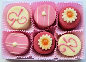 chocolate-cacao_pink_visualhunt com_CC0