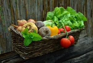 Korb mit Gemüse